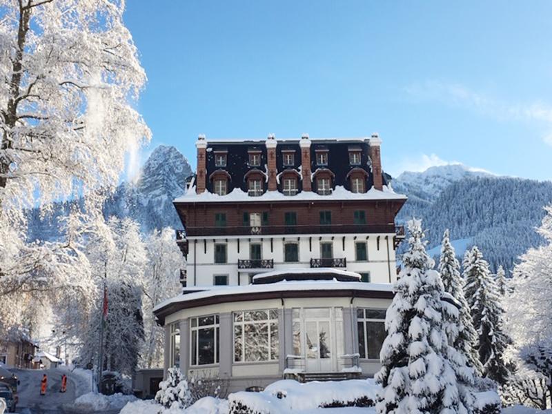 Winter Clinics at Le Cahtelard